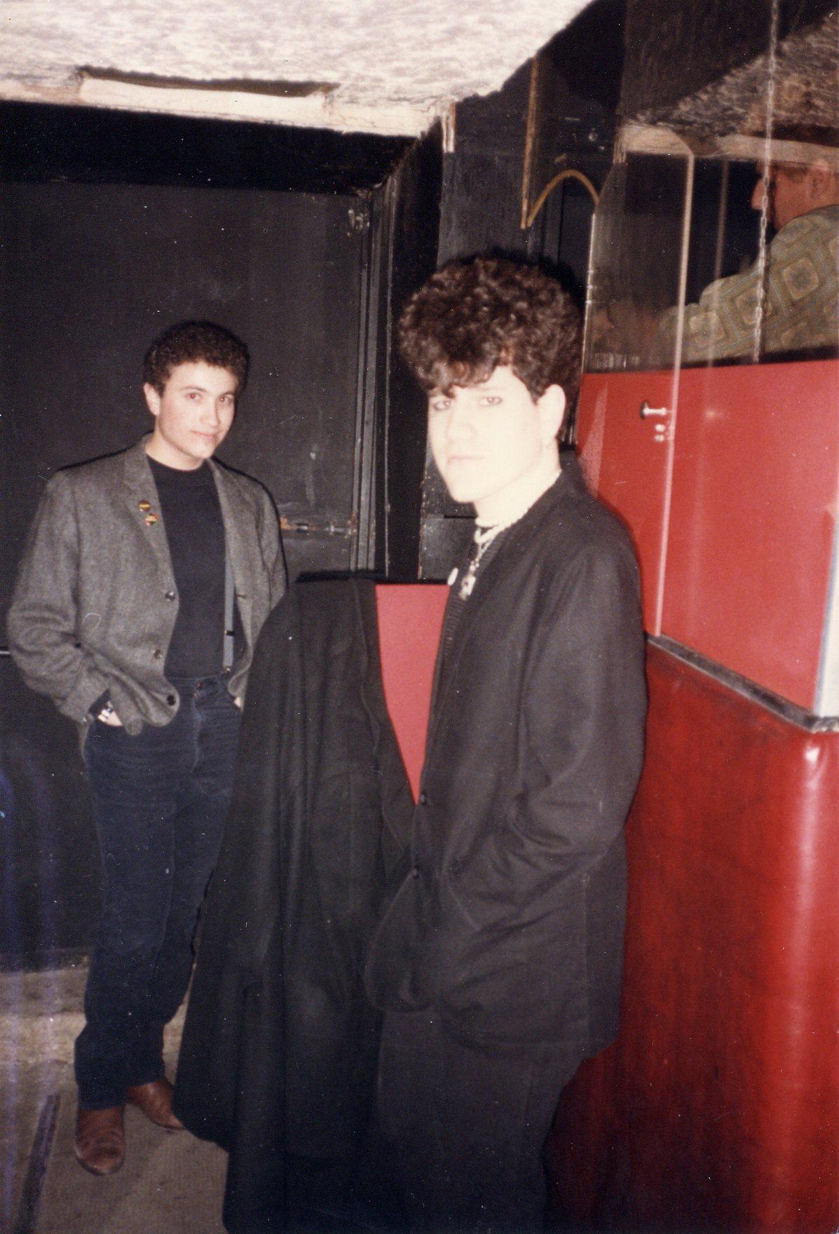 1985-03 b