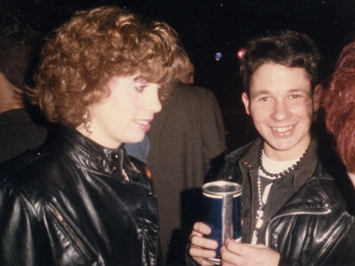 1985-11 h